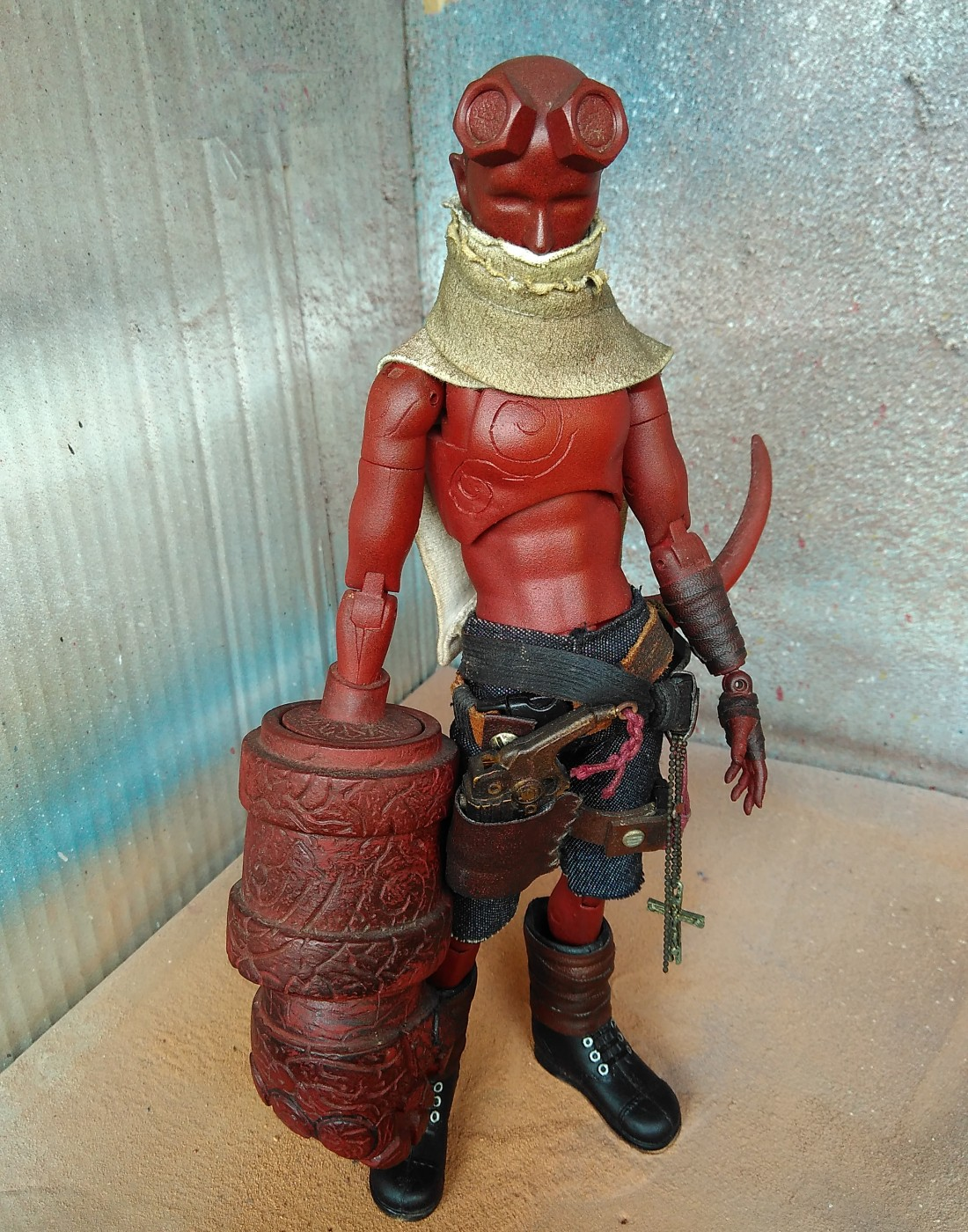 HELLBOY One sixth scale by Alympu far